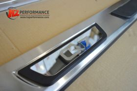 Audi Q7 Side Steps OEM Design with LOGO